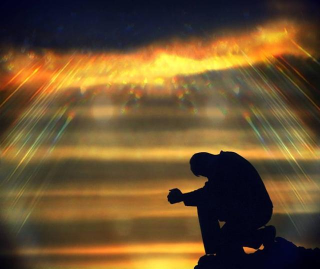 homem-orando-a-deus.jpg